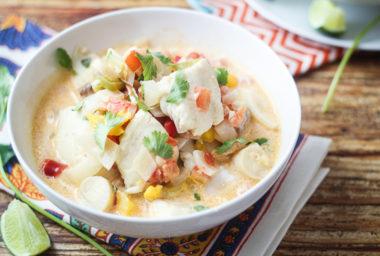 Rybí polévky nepatří pouze na štědrovečerní stůl. Tyto 4 recepty vás nadchnou na podzim i v zimě