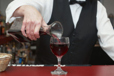 Aliance vinařů V8 vyráží na tour po České republice s kolekcí Grand Cru Collection