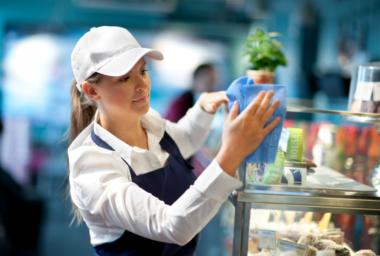 Utěrky Tork exelCLEAN® přinášejí nové výhody pro vaši restauraci a hotel