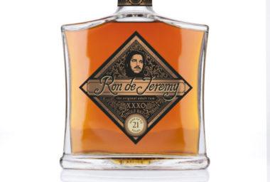 Ron de Jeremy XXXO: exkluzivní limitovaná edice rumu.  Pro český a slovenský trh je uvolněno jen 90 kusů.