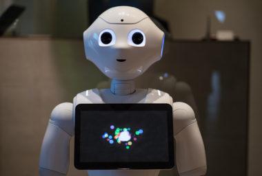 Robot se v hotelu stará o zábavu
