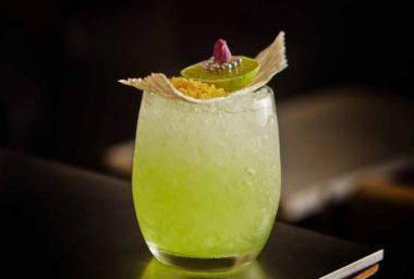 Four Seasons Hotel Prague představuje nové letní koktejly