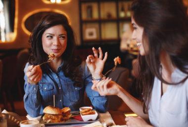 Úspěch poledního menu: dobré jídlo a rychlá obsluha