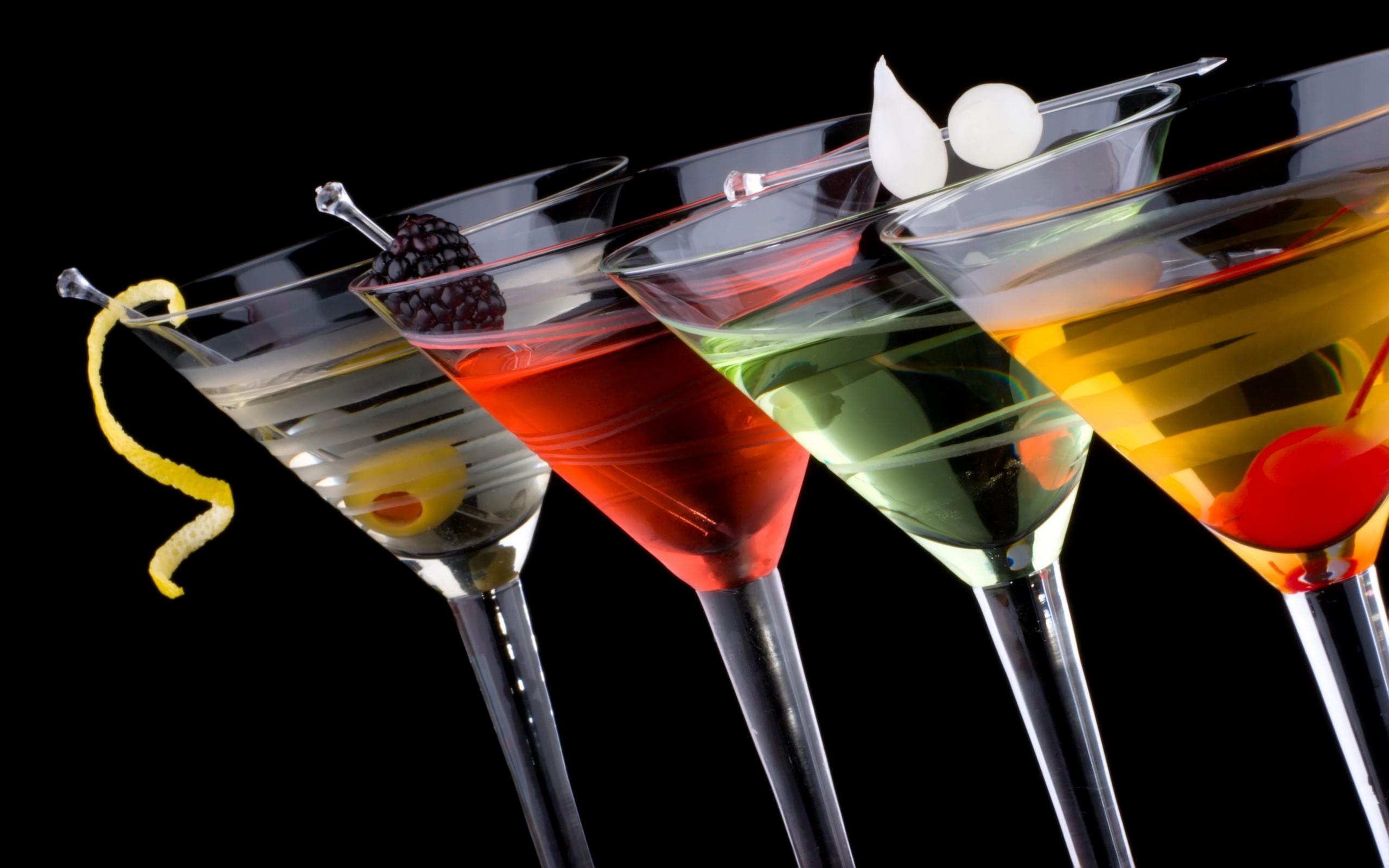 Letní inspirace: Tři lahodné koktejly, bez kterých se letos neobejdete!