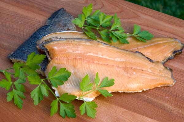 Recepty šéfkuchařů: Radek Šubrt – Filet ze pstruha lososovitého s křupavým toastem a křenovým dipem