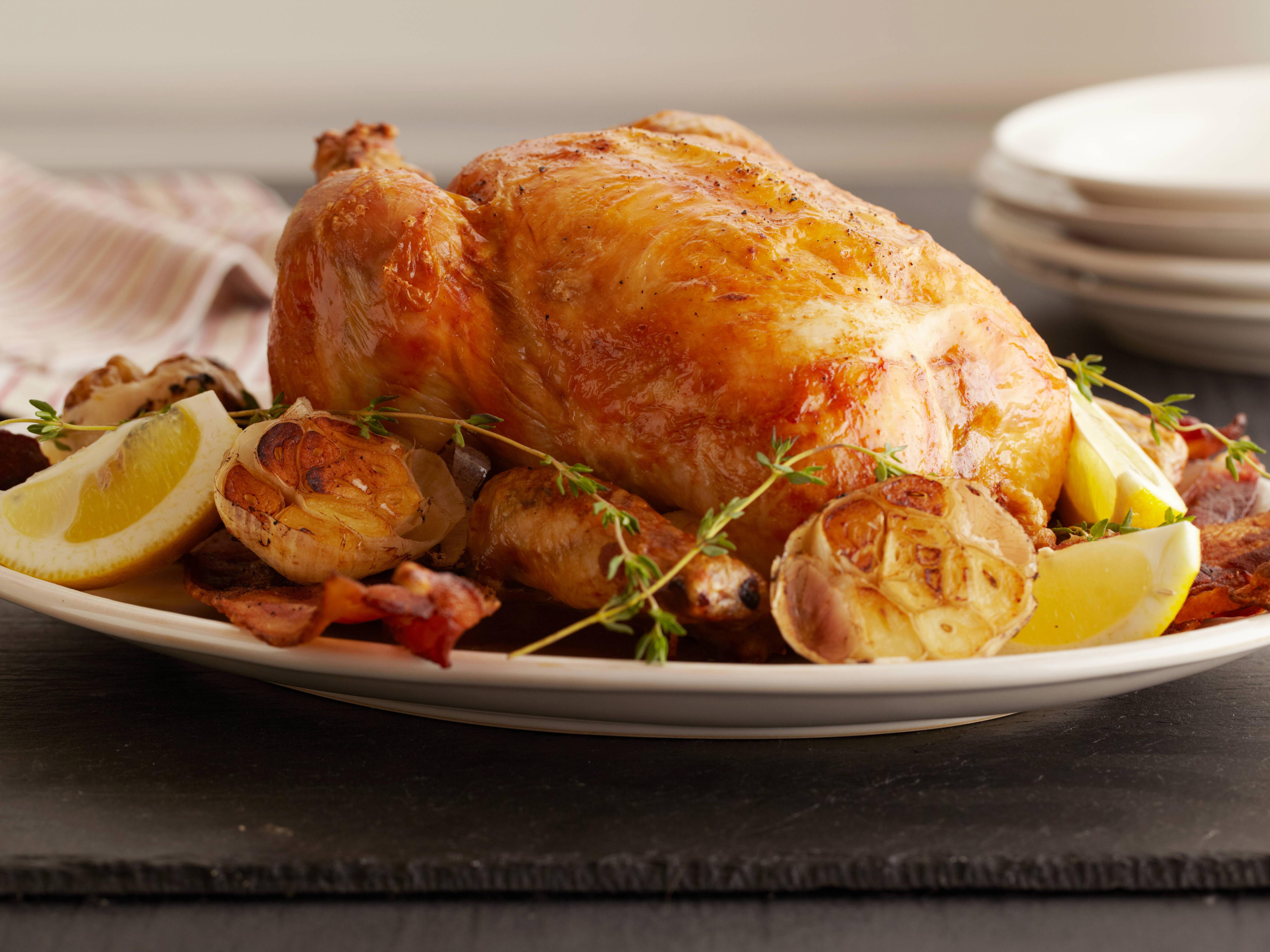 Pečené kuře na slavnostní tabuli