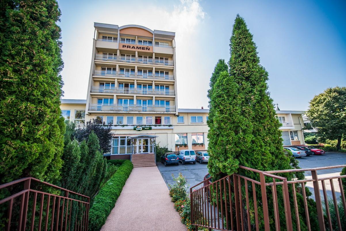 Užijte si Velikonoce v Praze nebo relaxujte v Dudincích se SIVEK HOTELS
