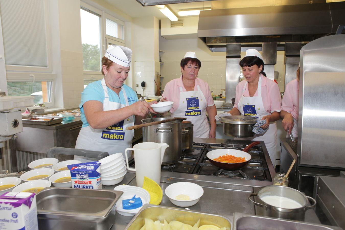 Kde vaří ten nejlepší školní oběd? Ve finále soutěže se opět utká desítka jídelen
