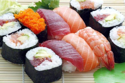 Kde si v Praze a v Brně dát nejlepší sushi?
