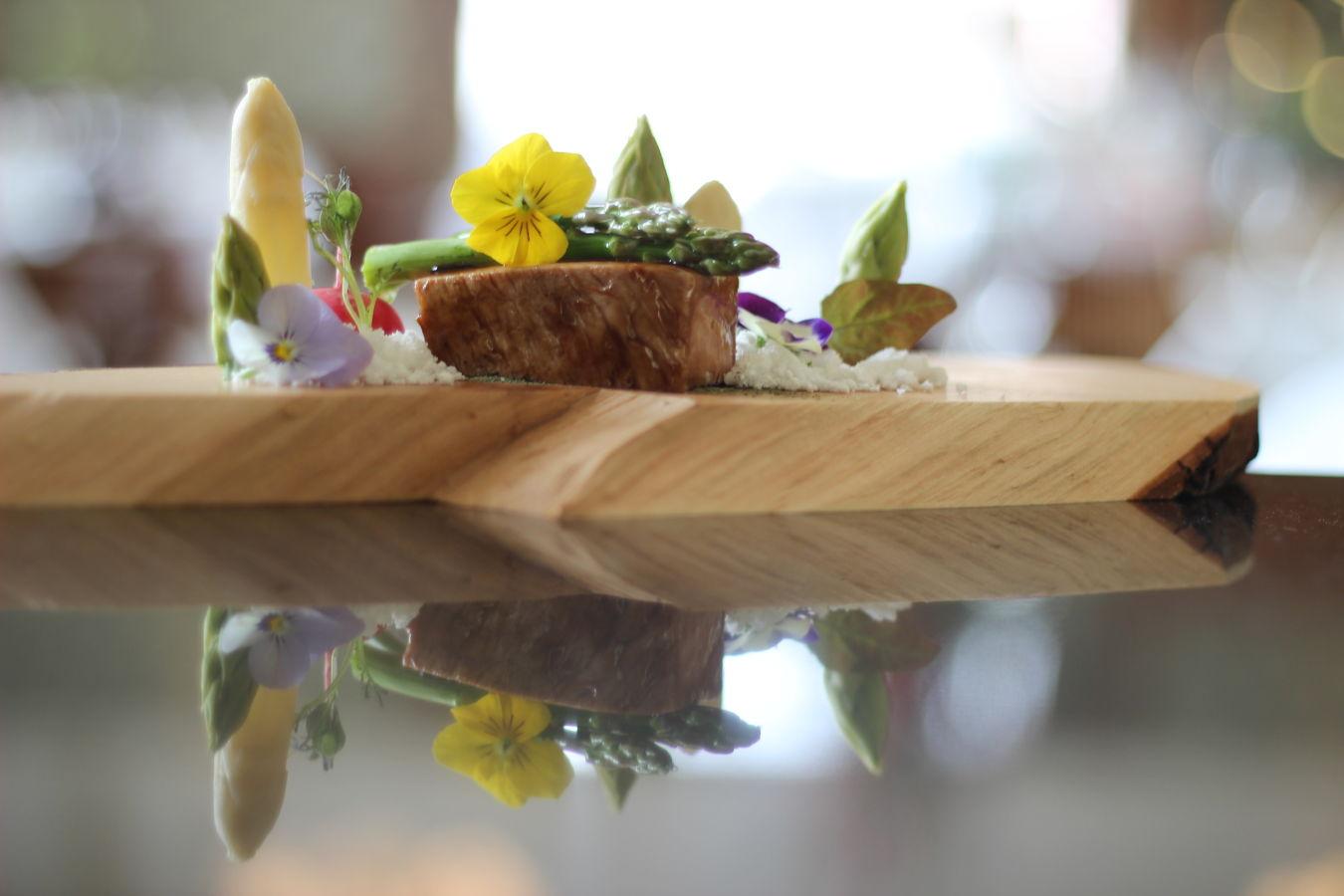 Nepatří jen na zahradu aneb Jedlé květiny v moderní gastronomii