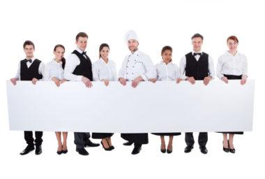 Jak vybírat pracovní oblečení pro kuchaře či recepční?