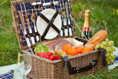 Nabídněte hostům piknikový koš
