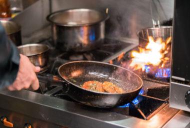 """""""Žhavé srdce"""" moderní kuchyně: Sporáky s plynovým hořákem"""