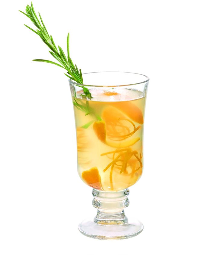 Prohřejte se horkými míchanými drinky se zázvorem či ovocem.