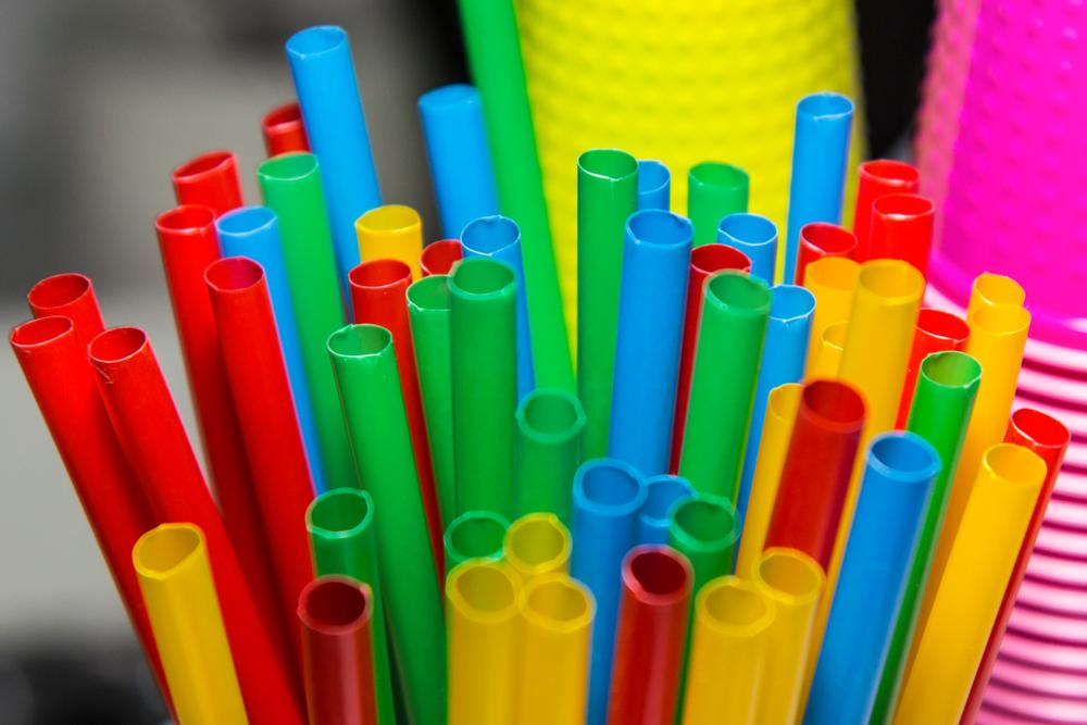 Konec plastových výrobků na jedno použití se opravdu blíží?