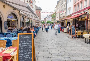 Rozmanitá kulinářská scéna láká do Německa britské turisty