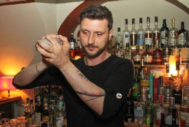 Parlour, nejbarovější z pražských barů