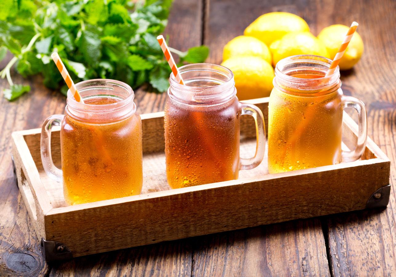 Ledový čaj vlétě nepijte tak úplně ledový