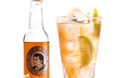 Užijte si babí léto s drinky z Thomas Henry Coffee Tonicu