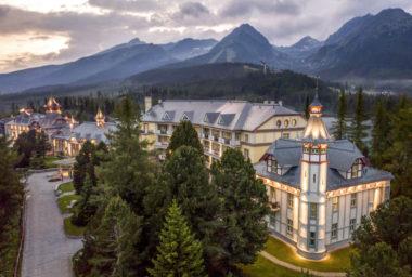 Nejlepší historický hotel v Evropě je podle Haute Grandeur Global Excellence Awards Grand Hotel Kempinski