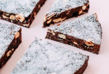 Veganství jako novoroční předsevzetí? Zkuste to netradičně s knihou uznávané cukrářky Petry Stahlové Moderní veganské dezerty
