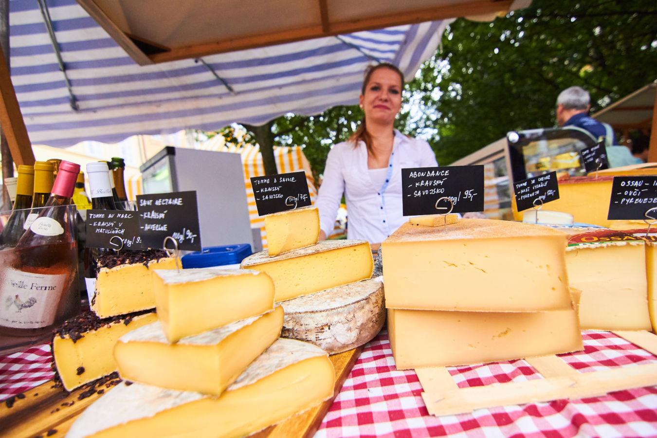 Tradiční Francouzský trh na Kampě otevírá své brány již po dvanácté