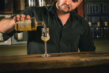 Výrobce české whisky TREBITSCH slaví další mezinárodní úspěch. Medaile veze z Asie.