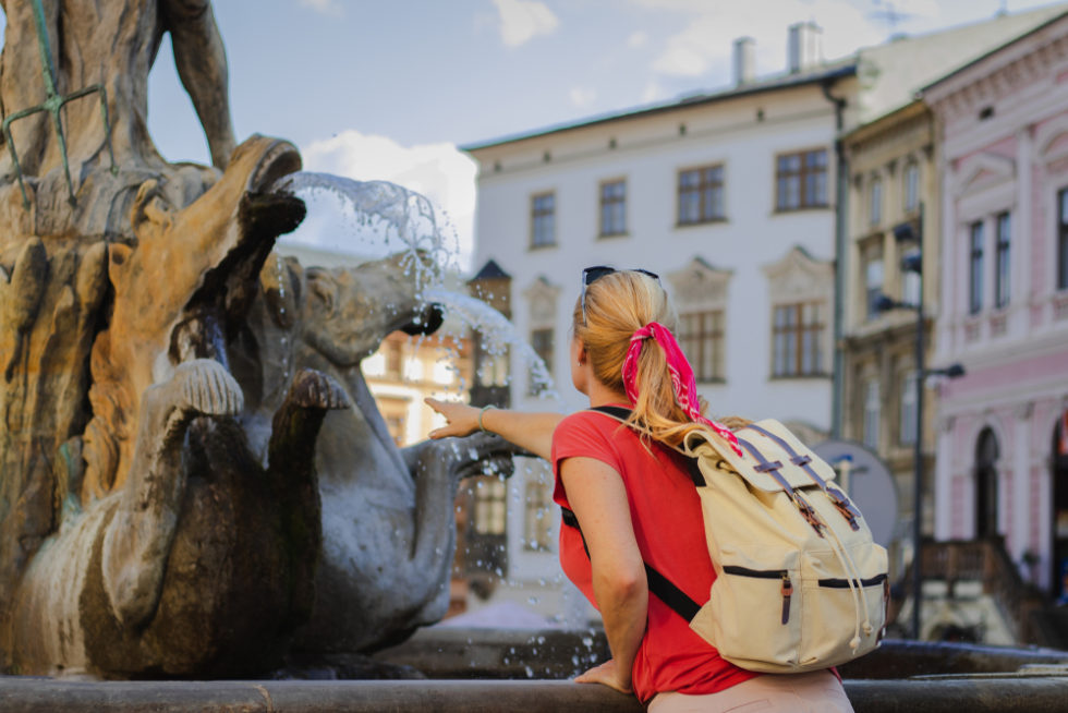 turistů