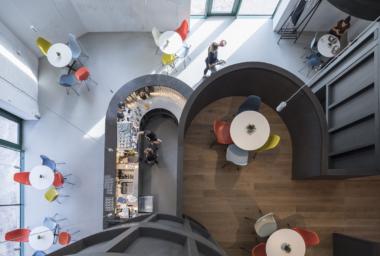 Architekti Chybík+Krištof dokončili Enotéku znojemských vín, situovanou v areálu bývalého pivovaru