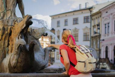 Do regionů míří více turistů