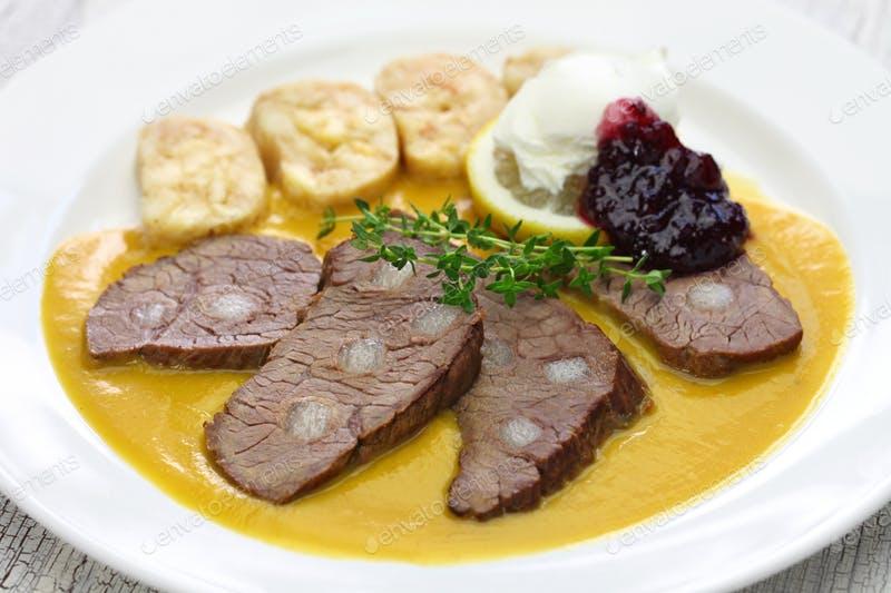 Ideální polední menu: Češi požadují hlavně českou kuchyni a polévku zdarma