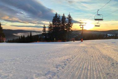 Většina skiareálů je v provozu. Sněhové vyhlídky slibují otevření dalších