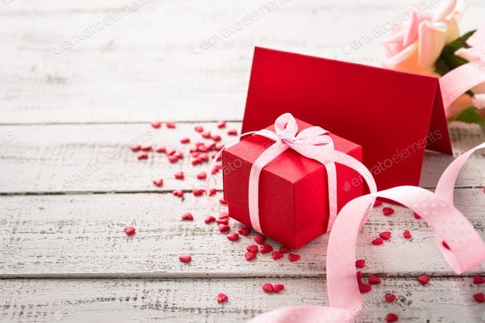 Tip na valentýnský dárek: Delikatesy z unikátní rubínové čokolády… A všechna slova jsou zbytečná