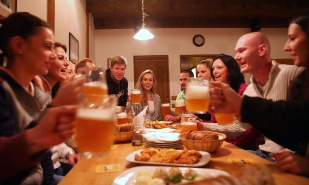 Cesta k pivním zážitkům je opět otevřená! Plzeňský Prazdroj zve k posezení na šalandě i do školy čepování