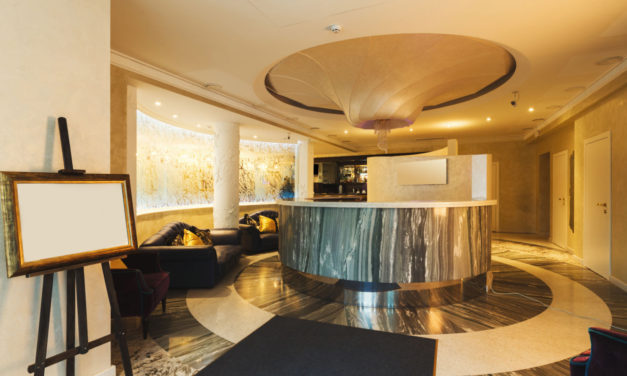 Češi zaplavili stránky hotelů, s rezervací jich stále dost váhá.
