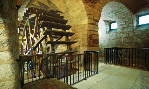 Prázdninový tip: Speciální prohlídky Plzeňského historického podzemí za svitu baterek 19. srpna