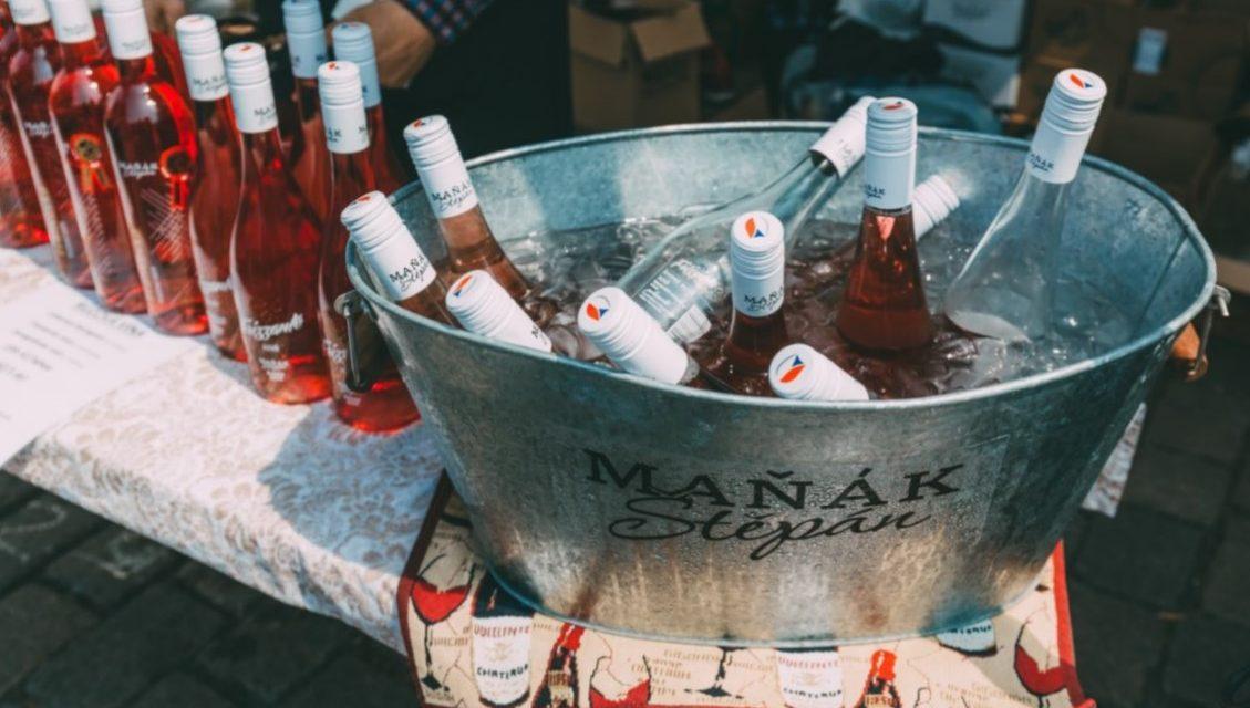 Devátý ročník oblíbeného vinařského festivalu proběhne v září. Název zůstává, mění se místo