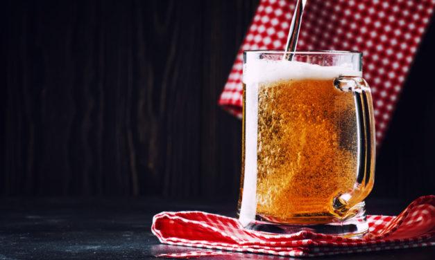 Plzeňský Prazdroj pivo k likvidaci zužitkoval na pálenku