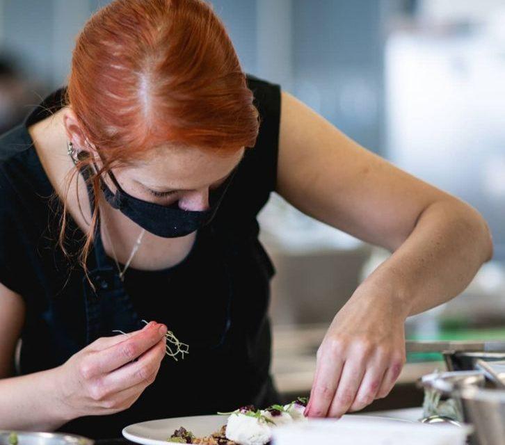 Pavla Drlíková – tvář brněnské veganské restaurace DIE KÜCHE se stala vítězkou prvního ročníku soutěže o nejchutnější rostlinné jídlo 2020
