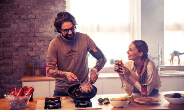 Coca-Cola: Filmy, dobré jídlo, pití a společné vaření, to je současný recept na domácí štěstí
